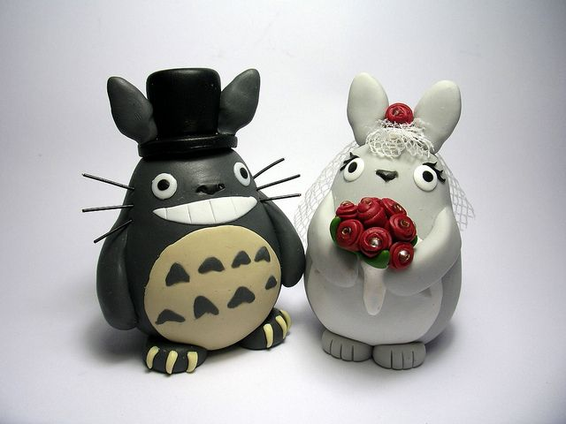 Totoro wedding cake topper. Makes me want to get hitched just to have a vegan cake topped with these.