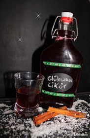 Ein Likör der runter geht wie Öl...   ...Von dem Mann/Frau nicht genug bekommt...   ...Das Rezept jeder haben möchte...   ...Glühwein-Lik...