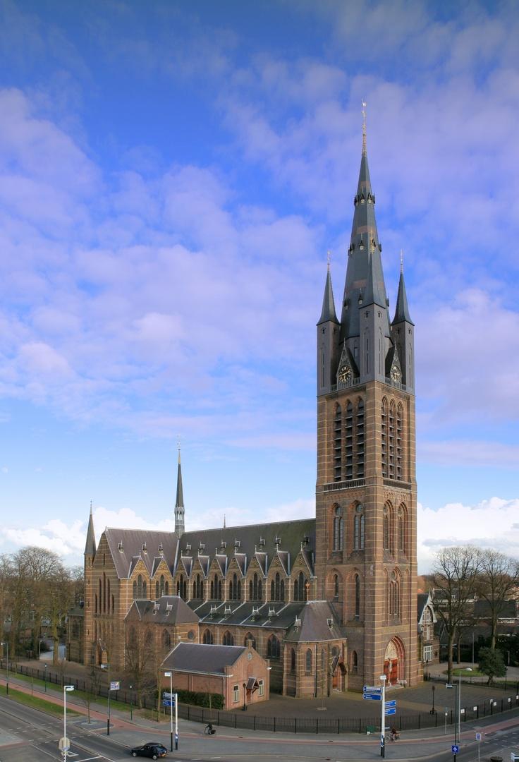 St.-Vituskerk Hilversum, P.J.H Cuypers, 1890-92, Neogotiek. Motieven uit de eigen middeleeuwse, de Engelse en de Italiaanse gotiek.