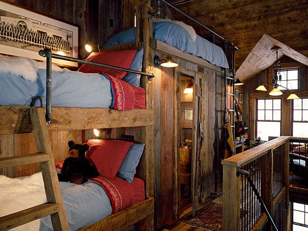 The bath is in the middle of the bunks ....clever use of space: Guest Room, Bunk Ideas, Cabin Life, Rustic Bunkroom, Bunk Bed, Bunk House, Bunk Room, Logs Cabin, Cabin Decor