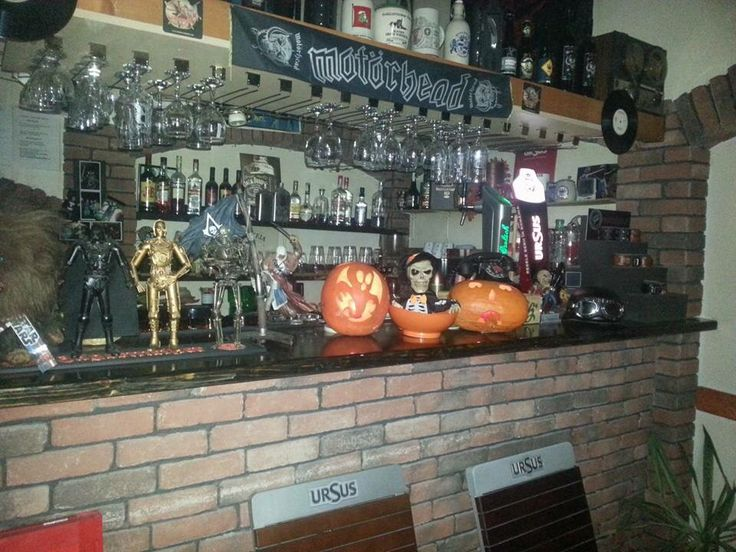 Having to much fun in My favourite Pub we are also ready for Halloween  https://www.facebook.com/pages/Retro-Pub/106047749541793