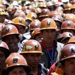 A Bolivian miner trapped for more than 26 hours without food or water in the San Jose mine under the city of Oruro has been rescued. Freddy Toco had been trapped underground since a landslide blocked the mine's exits. On Wednesday morning Toco's family alerted the authorities.http://ift.tt/2FQc1CQ