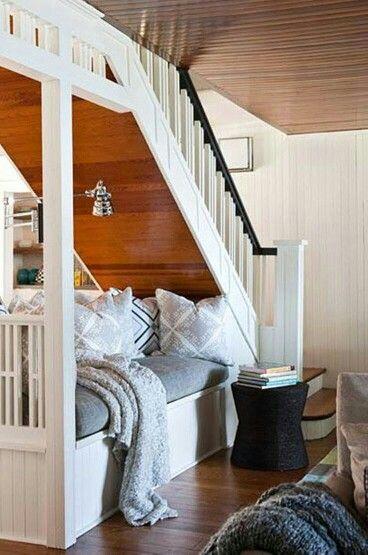 Guest hide-away bedroom