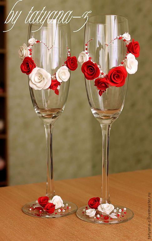 """Купить Свадебные бокалы """"Любящие сердца"""" - свадебные аксессуары, свадьба, красные розы, белые розы"""