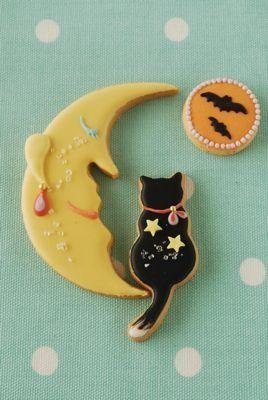 Moon and cat sugar cookies
