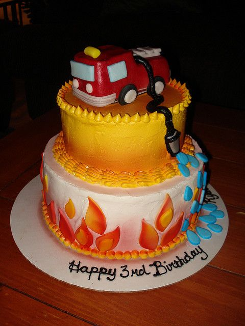 fire truck birthday cake 252 best images about firefighter cakes on 4071
