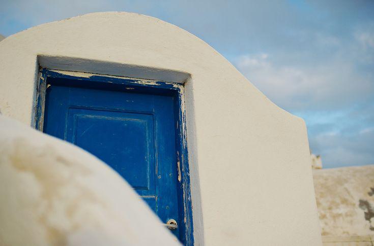 Elopement in Santorini – Greece Mykonos Santorini Athens Wedding Photographer