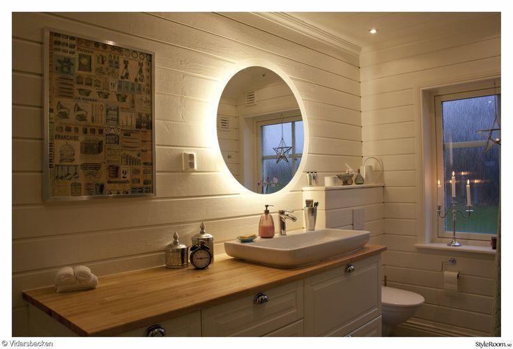 badrumsspegel,belysning,rund spegel,svedbergs,kommod,badrumsmöbel,handfat,hafa,tvättställ,tvättställsskåp,badrumsskåp,badrum