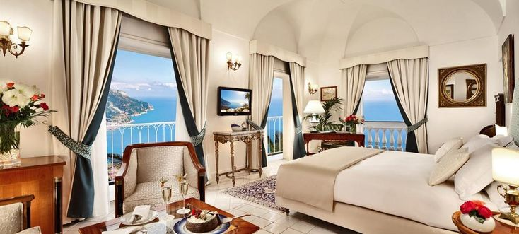 Το ταξιδιωτικό περιοδικό Travel + Leisure δημοσίευσε τη λίστα με τα καλύτερα ξενοδοχεία της Ευρώπης για γαμήλιο ταξίδι, ανάμεσα τους και δύο ελληνικά.