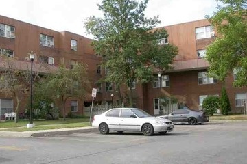 Condo Townhouse - 4 bedroom(s) - Mississauga - $200,000