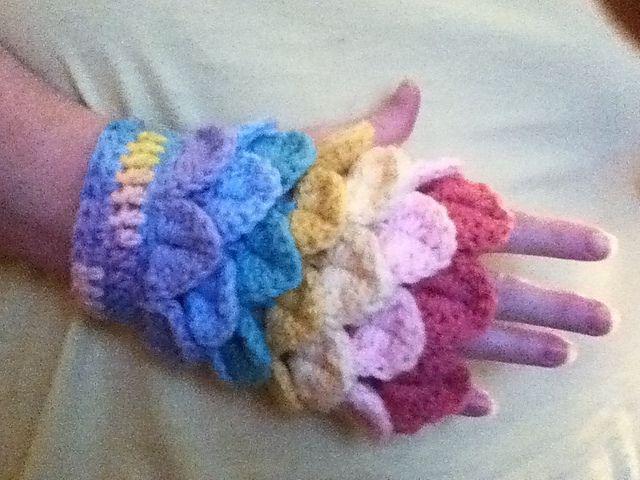 Crocodile-Stitch Fingerless Gloves 2! pattern by Carrissa Knox