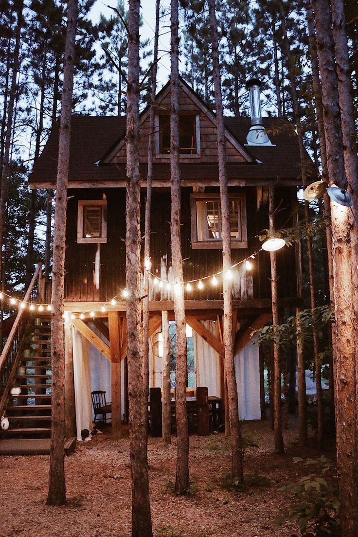 All the glamorous tree houses are beautiful, but this is realistic and something I would love love love to have!!!!!