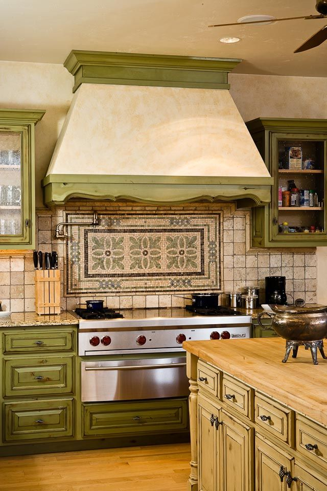 0619- Country Chic Rocky Mountain Log Home Kitchen