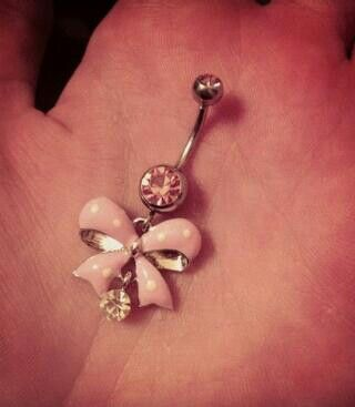 i want this belly-button ring! #bow #pink #diamonds