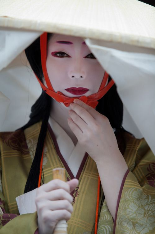 taishou-kun: Geigi Ume Waka-san 芸妓 梅わかさん from Kamishichiken 上七軒 - Jidai Matsuri 時代祭 Kyouto 京都 - October 2014 Source : naeyes.exblog.jp