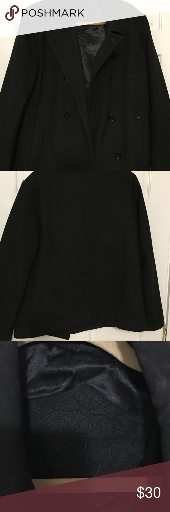 Men's Peacoat Men's peacoat. I think the size is medium but it could be a small. I also do not know the brand. In good condition, only worn once. Jackets & Coats Pea Coats