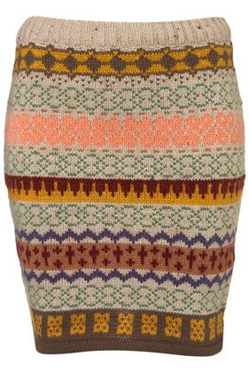 Knitted skirt..paired with leggings and cute boots!!! Perfecto