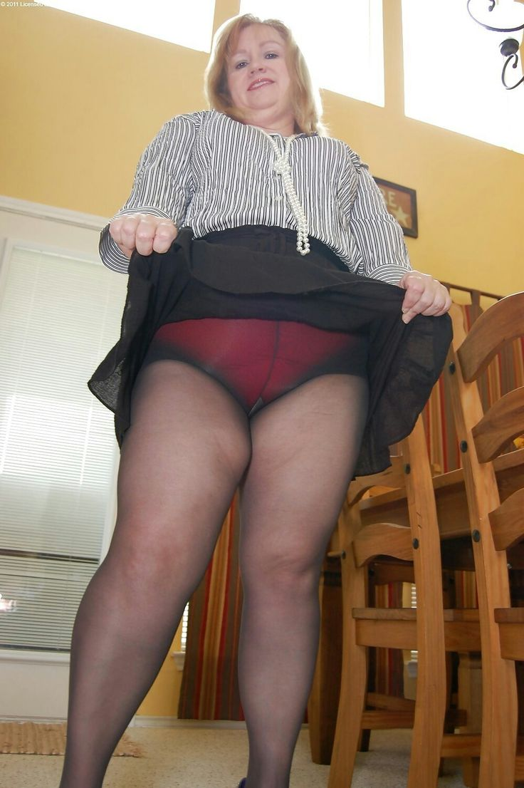 Mature women showing panties