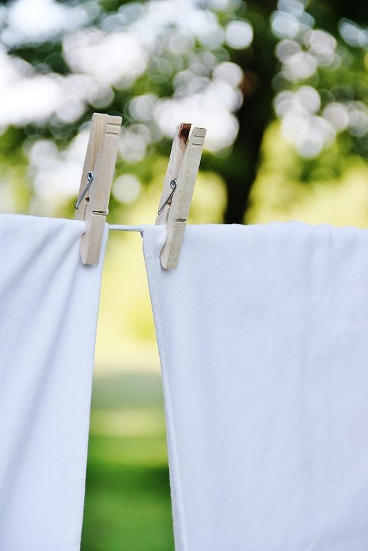 Tips for the freshest smelling sheets EVER!: Life Changing Reasons, Dry Laundry, Laundry Outdoors, Fresh Linens, Laundry Lines, Clean Sheets, Laundry Clotheslines Linens, Happy Things