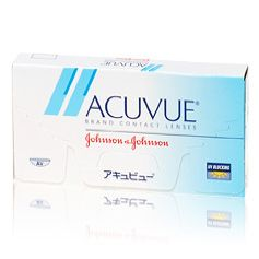 Acuvue  Acuvue zijn extra dunne weeklenzen. Dankzij hun speciaal ontworpen kanten voelen ze comfortabeler aan en zijn ze eenvoudiger te hanteren. Acuvue lenzen zijn gekleurd voor eenvoudigere hantering en beschermen de ogen tegen de schadelijke UV-stralen van de zon.  Weeklenzen kunnen 1-2 weken worden gebruikt. Ze moeten elke avond voor reiniging worden uitgenomen en de volgende ochtend weer worden ingezet. Volg altijd de aanbevelingen voor gebruik en behandeling die uw opticien u geeft…