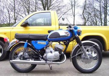 1968 Kawasaki 350 Avenger
