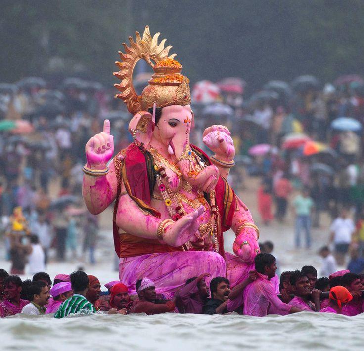 """Final day of this year's Ganesh chaturthi """"Ganpati bappa morya purchya warshi laukar ya"""" lets chant Ganapati bappa moriya Shree Ganeshay Namha."""