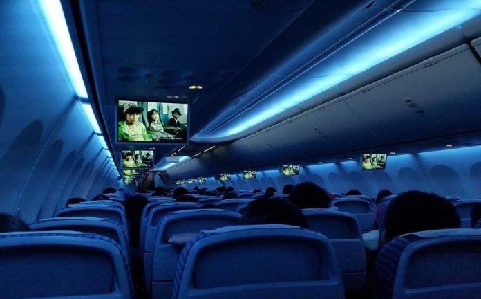Netflix Offers Bandwidth Tech to Airlines for In-Flight Streaming