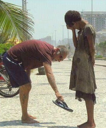 "This moves me deeply...such an act of compassion! Compassion saw a need and filled it! I am reminded of the quote ""I cried cause I had no shoes till I saw the man who had no feet"": This Man, Girls Generation, Rio De Janeiro, Make A Difference, Human Restoration, Photo, Acting Of Kind, Random Acting, Young Girls"
