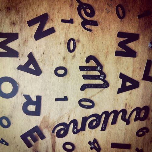 Kraamkrat typografie