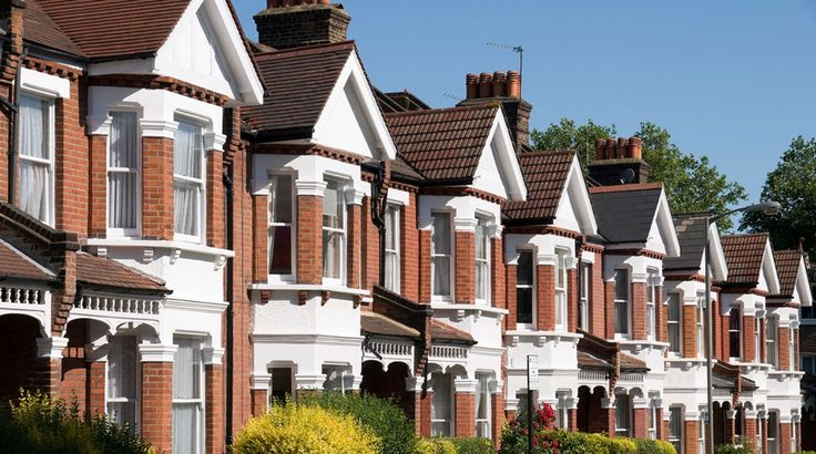 House Prices: HM Land Registry Published:18 July 2017.The UK House Price Index shows house price changes for England, Scotland, Wales and Northern Ireland. The May data shows: an annual price increase of 4.7% which takes the average property value in the UK to £220,713 the monthly house prices have risen by 0.5% since April 2017 …