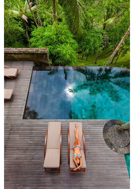 JMK says:- Love the look of this exotic garden with it's infinity pool, Not really possible in my tiny London garden, but one can dream