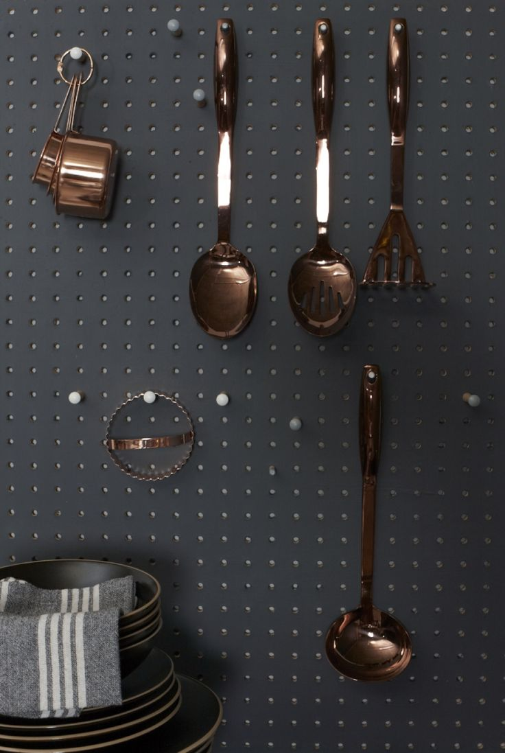 Black kitchen, grey and black kitchen, Pippa Jameson Interiors, Jo Henderson photography, Homestyle magazine, copper and black kitchen