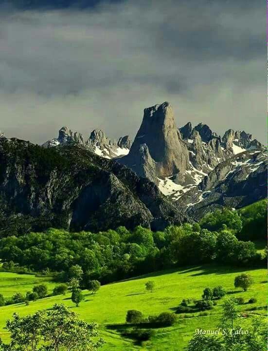 Naranjo de Bulnes... Si es que todo lo bonito lo tenemos en Asturias...