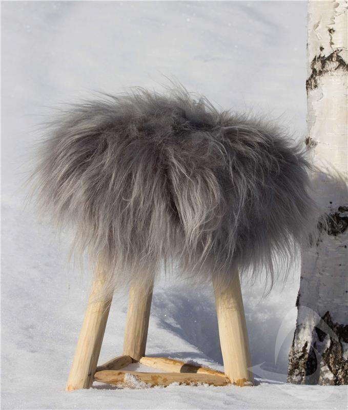 Sittelapp 40x40 cm - saueskinn fra Island med langhåret tykk ull. Gratis frakt: http://www.multitrend.no/fra-Island-sittelapp-gra-Saueskinn/cat-p/c100193/p10501607
