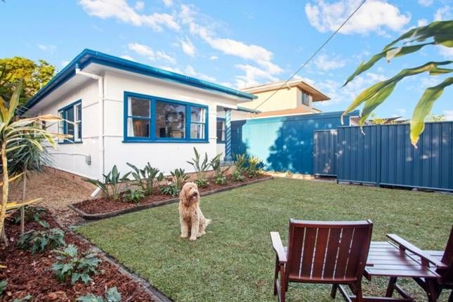 DUNE BEACH HOUSE pet friendly holiday home | Palm Beach Qld, QLD | Accommodation