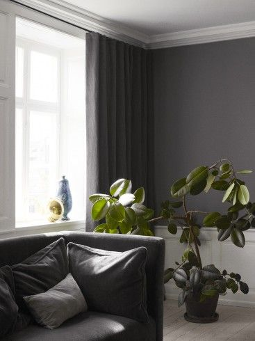 Wallcolor with matching curtain color makes the room so pure and beautiful!