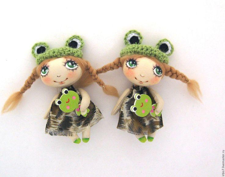 Купить Брошки-лягушки - салатовый, лягушка, лягушонок, лягушка игрушка, хлопок, пряжа, акриловые краски