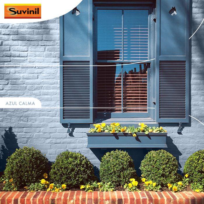 Que tal transmitir aconchego com a cor amarela das #flores e serenidade com a cor #Suvinil #AzulCalma? Harmonize seu cantinho, a #fachada da sua #casa diz muito sobre você!  😊