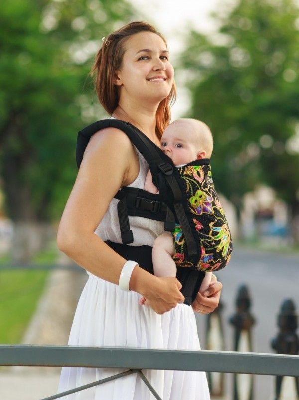 Isara Baby Carrier Love in Venice