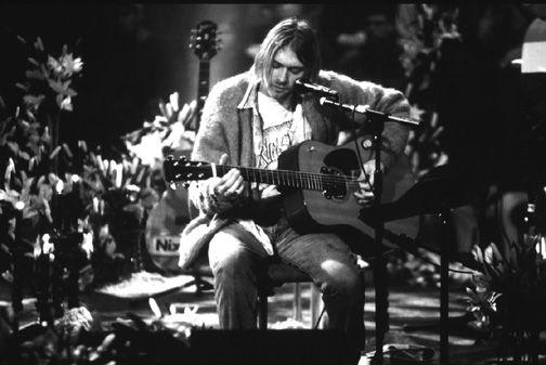 Kurt Cobain at MTV's Unplugged Nirvana session. | MUSIC ...