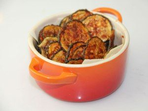 Kale chips, move over. Try making baked BBQ-flavoured zucchini chips