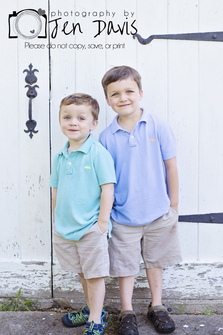 little boy photography, poses for little boys, sibling poses for boys