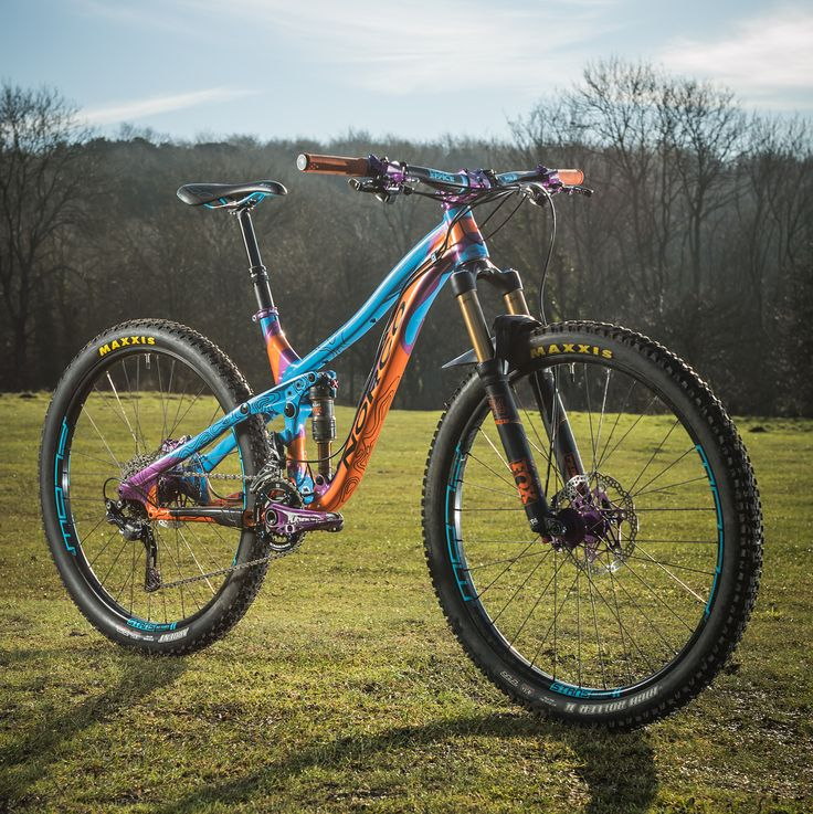 12.2K vind-ik-leuks, 104 reacties - Hope Technology (@hopetech) op Instagram: 'Bike check- one very custom and very unique @norcobicycles painted by @fatcreations @roofowler…'