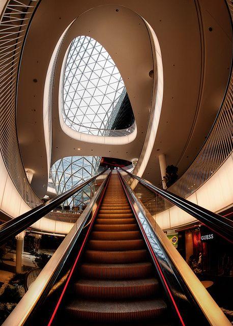 Zeilgalerie III, Frankfurt, Germany -  by dai oni