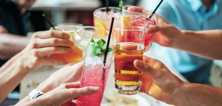 We have chosen 5 popular cocktail bars in Athens for your ideal #thirstythursday night!  Which bar is your favorite?  #epiculiar #localhostsworldtreasures #athens #goingout