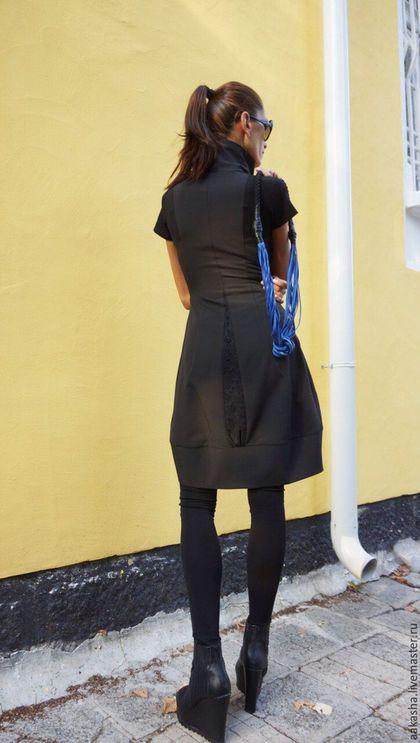 Купить или заказать Платье- жакет STAR в интернет-магазине на Ярмарке Мастеров. Красивое короткое платье-туника-жакет из поливискозы с короткими рукавами,двумя боковыми карманами,с двойной молнией,отделка трикоатжное кружево. Уникальный, изысканный и экстравагантный стиль, платье можно надеть на любое мероприятие. На вечеринку, ужин, свадьбу. Платье будет необходимой вещью в вашем гардеробе. Стоимость украшения из натуральной кожи 169 долларов Материал: Поливискоза Возможные…