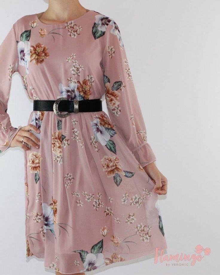 #TENDENDIAS MODA LOW COST | #vestidos  FLORES ROSA 21.95€  Es una de esas prendas que te favorecen, que llevas súper cómoda y que además es diferente a lo que tienes en tu armario.  Justo debajo del pecho tiene goma, por lo que se adapta perfectamente a ti. Las mangas son sueltecitas y lleva un goma en el puño que le da un bonito acabado. El tejido es muy agradable tipo gasa y va forrado. Combínalo con stilletos o botas altas para un look 10. #vestidoflores #vestidomangalarga #vestidolowcost