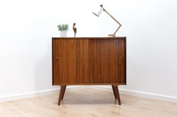 Mid Century Danish Rosewood Small Sideboard Storage Media Unit Etsy Handgemaakt