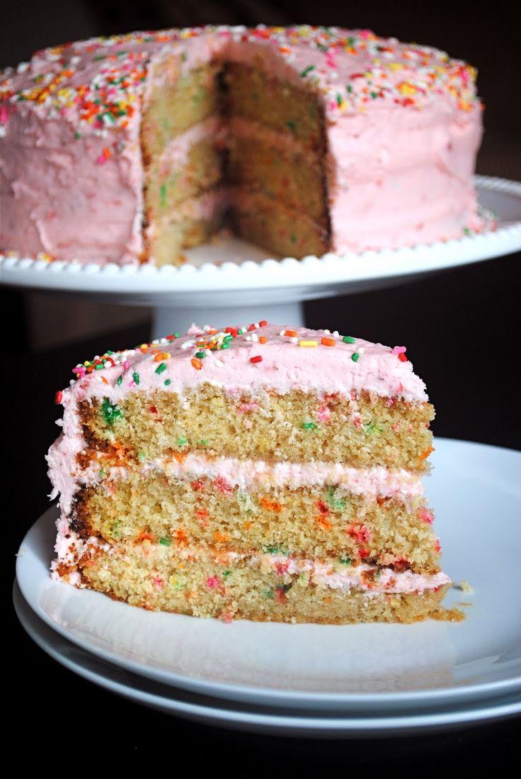 ... cake w strawberry buttercream yum o i think i just found my bday cake