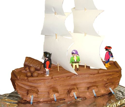 How to make a Pirate Ship Birthday Cake - Birthday Creations Blog trying this for kks birthday wish me luck